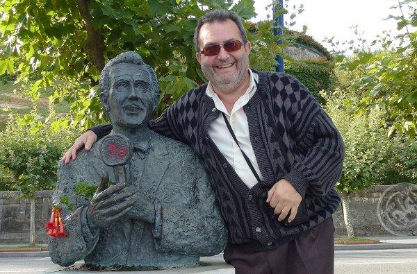 Angel-Almazan-y-estatua-de-Jorge-Sepulveda-en-Santander