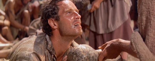 Ben Hur y Jesus dandole agua