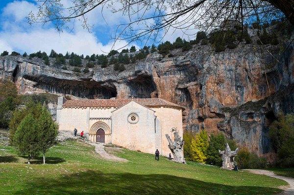 Ermita templaria de San Bartolo y paraje del Cañón del río Lobos.- Foto RveDipress / M.A. Muñoz Rodríguez