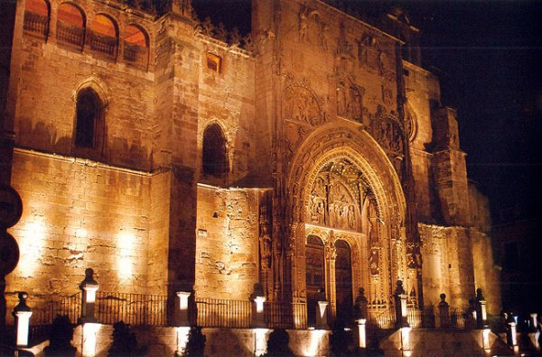 Santa_Maria_de_Aranda_de_Duero_Eucharistia_Edades_del-Hombre