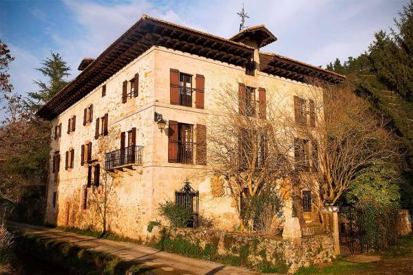 Caserio Itzea - Archivo Turismo Reyno de Navarra
