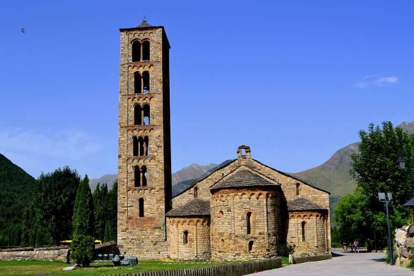 Iglesia románica en Valle de Boi 1