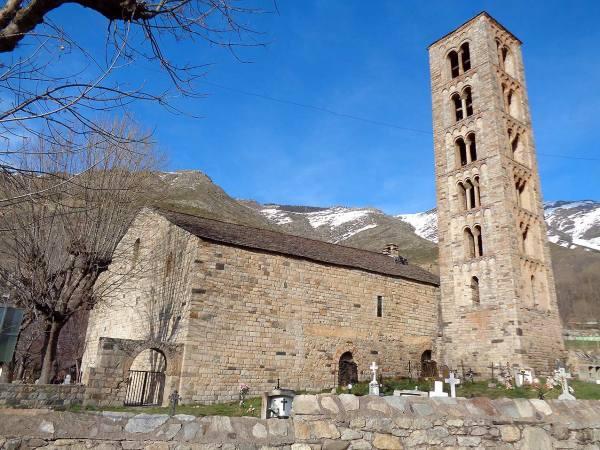 Iglesia románica en Valle de Boi 2
