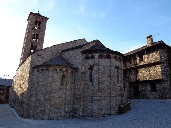 Iglesia románica en Valle de Boi 3