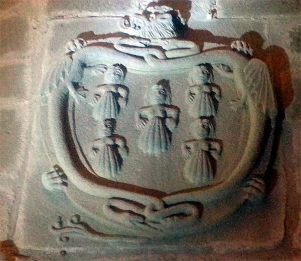 Escudo de los Miranda en colegiata de Teverga