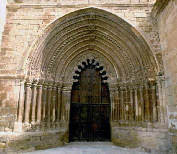 Cirauqui. Foto Turismo Reyno de Navarra: Larrion y Pimoulier
