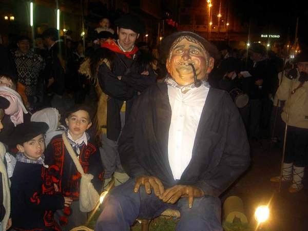 carbonero OLENTZERO--navidades-foto-Reyno-de-Navarra-Turismo